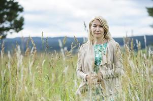 Elin Olofsson debuterade 2013 med romanen