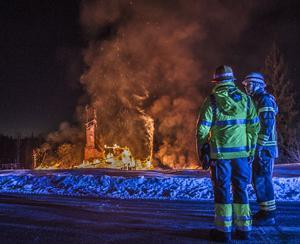 Villa brann ner utanför Fagersta. Foto: Niklas Hagman