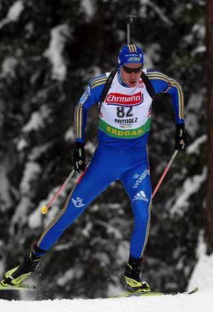 Det var på slutvarvet i fredagens världscupsprint i Anterselva som Björn Ferry åkte upp sig till en andraplats bakom segrande norrmannen Emil Hegle Svendsen (infälld). Foto: Hans-Råger Bergström, Franco Debernardi