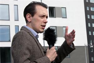Liberalernas Jesper Brandberg håller inte med om att deras satsning på skolan är liten.