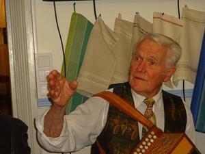 Gösta Johansson är vägvisaren under Taubeafton.