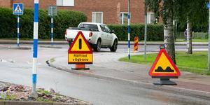 Snart blir det ny asfalt på Leksandsvägen ner till riksvägen.