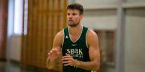 Andrew Smith lämnar Södertälje. Ny klubb ska enligt Södertäljes hemsida redan vara klar.