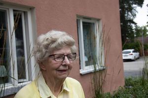 – Visst blir man orolig, det är ju farligt det där, säger Gertrud Wirén.