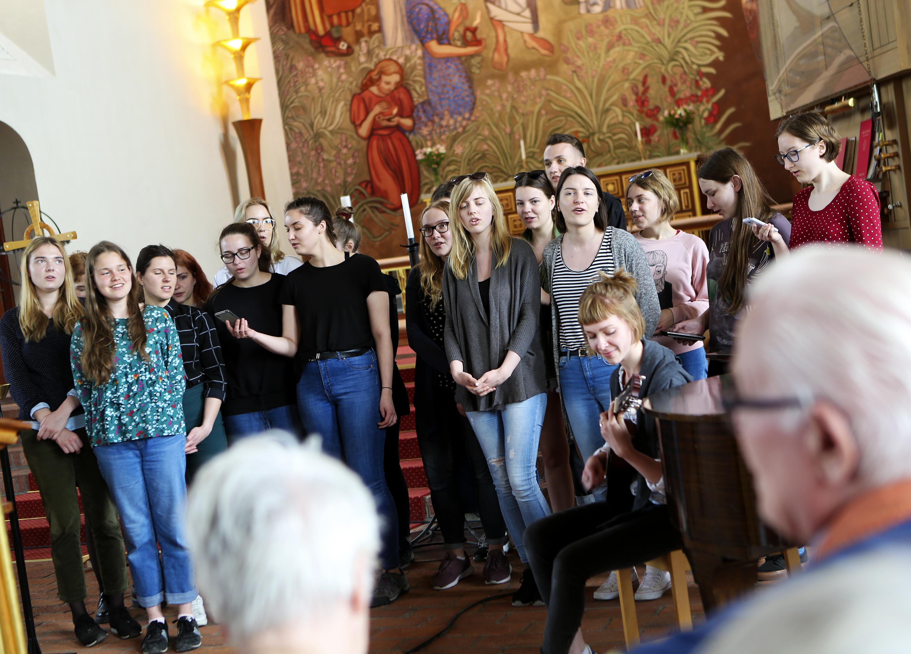 """Litteraturintresserade studenter från Litauen besöker Östersund: """"Intresset för Sverige är enormt i hela Baltikum"""""""