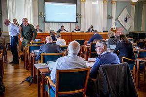Ledamöterna i kommunfullmäktige fick i ett informationsärende höra om Härnösandshus utveckling.
