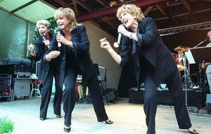 1996 kom Lill-Babs till Dössberget i Bjursås för ett uppträdande tillsammans med generationskamraterna Siw Malmkvist och Ann-Louise Hansson.Foto: Mikael Forslund