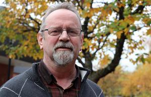 Stig Malmberg (SD) ser inget fel i att lägga fram de uppgifter han fått fram eller sättet de presenteras på.
