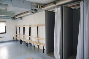 Nu finns det möjlighet att duscha och byta om på plats vid Team Hudik Arena.
