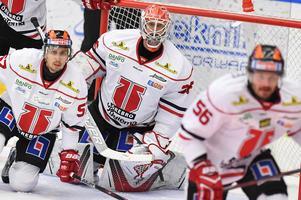 Axel Brage har vaktat målet i Örebro de senaste två åren i SHL. Nu är han tillbaka i Hockeyallsvenskan och ska hjälpa Leksand slåss i toppen av ligan. Foto: Mikael Fritzon/TT.