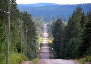 Den smala vägen till Lövsjön – och till tro och salighet, fotograferad 2006.