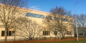 Efter varslet av 14 personer på skofabriken Arbesko i Kumla är det tänkt att det ska arbeta cirka 35 personer på fabriken samt ett tiotal säljare.