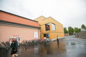 Söndag 17 juni 2018 invigdes Nationalmuseum Jamtli, som är ihopbyggt med länmuseet som invigdes 1995. Tustentals människor var där i regnet, och inne på filialen till Nationalmuseum fanns  statister som föreställde bland annat konstnärer.