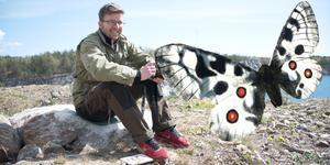 Under fjärilsvandringen berättar Martin Olofsson också om områdets växter. (Bilden är ett fotomontage).
