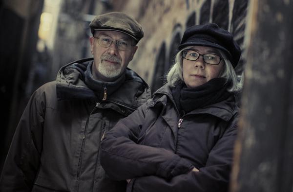 Michael Petersén och Gunilla Jonsson, skapare av rollspelet Kult på nittiotalet. Nu debuterar de med en roman som utgår från samma universum.Foto: Fria ligan
