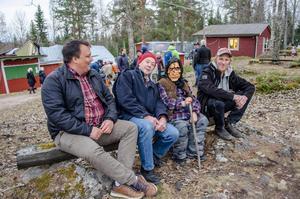 Johan Eriksson, Sune Bergman, valborren David Hermansson och Joel Gustafsson. De tror alla att folk gärna klär ut sig mer än till Halloween.