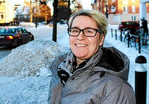 Planeringschefen Johanna Ingre berättar att bostadsrättsföreningen snart kommer att ha pengarna på sitt konto – och att föreningen tills vidare kan fortsätta nyttja garagen.