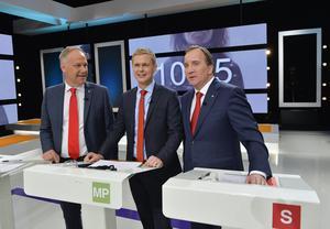 Jonas Sjöstedt (V), Gustav Fridolin (MP) och Stefan Löfven (S). Bild: Anders Wiklund/TT