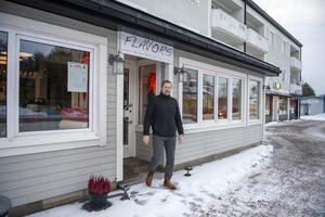 Fastighetsägaren Stefan Berglund köpte konkursboet till Flavors restaurang för att kunna styra över vilken ny restaurang som tar vid.