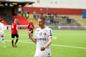 Örgrytes Emil Skogh tränar med Brage för närvarande.
