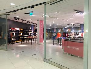 Pop out-butiken nelly.com finns just nu inne i Vågen-gallerian.