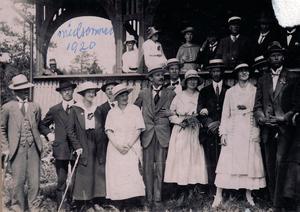 Här firar föreningen midsommar på Norra Stadsberget 1920.  Källa: Åke Persson