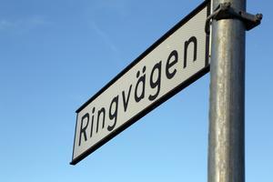 Gatorna inom området mellan Ringvägen och järnvägen får sänkt hastighet.