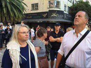 Människor fick evakueras direkt när larmet gick. Efter ett tag fick de återvända till hotellet. Bild/Privat