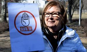Agneta Fahleson-Ericsson vill att de vinster Tunabyggen gör stannar i bolaget.