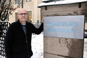 Torleif Fallsdalen har vissa idéer om hur lokalerna kan användas när Åhléns slagit igen. Och så stämmer han in i kravet på att Eriksgatan måste återöppnas.
