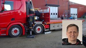 Vemservice satsar på kranbilar, eftersom det efterfrågas många tunga lyft från bland annat byggbranschen. Benny Larsson (infälld) är vd för Vemservice. Foto: Privat
