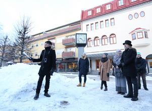 Klockan är inte alls slagen för Borlänge. Arkitekturupproret kom av sig på Sveatorget.