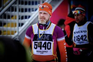 Falubon Michael Stevenson, Team Ormsalva, vann SM-guld i linjeloppet på cykel 2010.  Vasaloppet åkte han på drygt sex timmar.