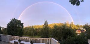 Från Sundsbruk fångade en läsare hela regnbågen. Läsarbild: Björn Freed