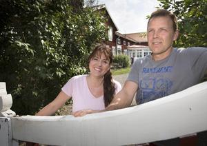 Mia och Rickard Malmqvist väljer nu att sälja Änglagård i Vij utanför Hudiksvall.
