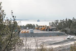 Om ett år ska det första fartyget lägga till i Norviks hamn. Här är Destination Gotlands fartyg på väg in i Nynäshamn.