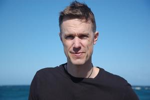 Fredrik Brounéus bor i dag i Gävle, men växte upp i Ludvika.