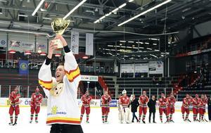 Mattias Göransson var lagkapten i Brynäs J18-lag som vann SM-guld mot Modo våren 2013. Foto: Bildbyrån.