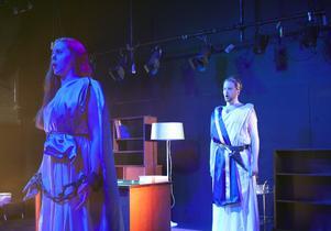 Sopranen Amelie Flink som Ilia och tenoren Viktor Johansson som Idomeneo  i Mozarts