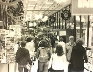 Gågatan inne i Punkt 1981.