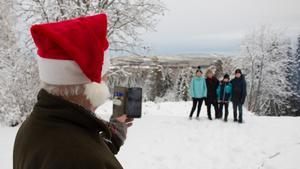 Det är inte bara marknad och teater som lockar folk till gruvan. Utsikten över sjön Leran är också populär.