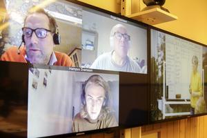 Tre av deltagarna befinner sig i andra delar av Sverige men kan följa med i kursen med hjälp av videolänk.