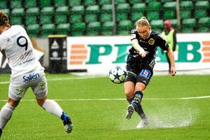 Wilma Wärulf under en match mot Uppsala i elitettan i fjol.