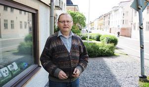 Miljöpartiets Jan Lindholm vill se satsningar på lärarna.
