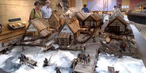 Var det hit sjöfararna var på väg, till handelsplatsen Birka? Modellen finns på museet på Björkö i Mälaren. Foto: Leif R Jansson/TT