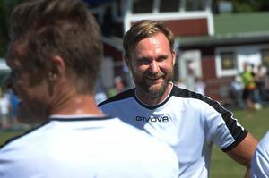 Den tidigare landslagsprofilen Andreas Andersson var på plats och lirade med kändislaget ML Elmontage.