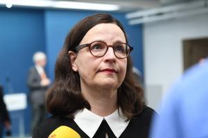 Myndigheterna håller presskonferens. Foto: Fredrik Sandberg / TT