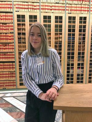 Sofia Vilhelmsson i Nora gillar politik och att skriva. En bra grund  för en gästkrönika i NA. Foto: Privat
