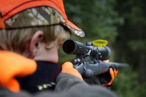 I Skinnskatteberg får jägarna inte skjuta lika många älgar som de gjort förr.