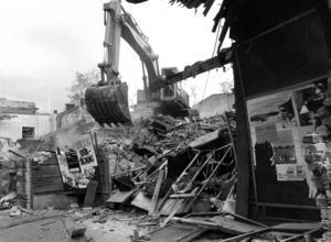 I november 1983 revs Röda Kvarn.